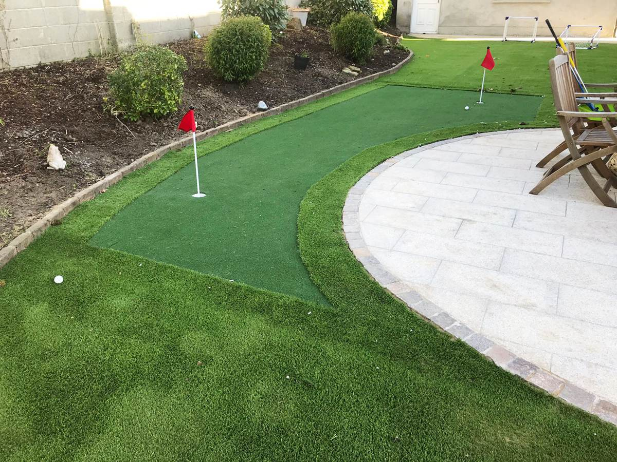 artificial putting green- PST Lawns