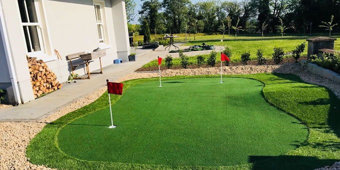 artificial grass installation for home putting greens