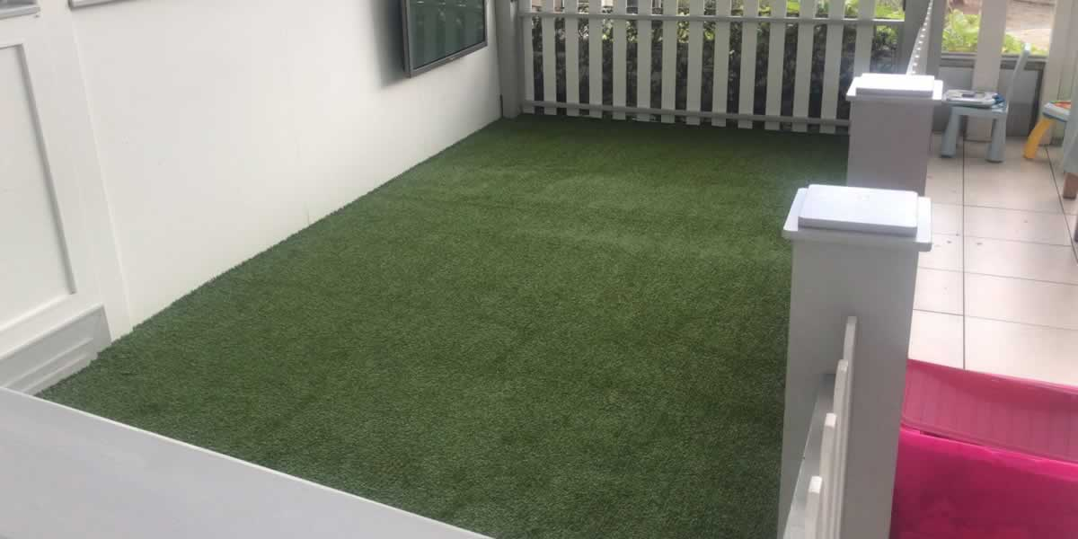 indoor artificial grass play area